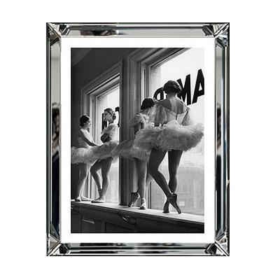 Plakat w Lustrzanej Tancerki Baletu w Oknie 50 cm x 60 cm