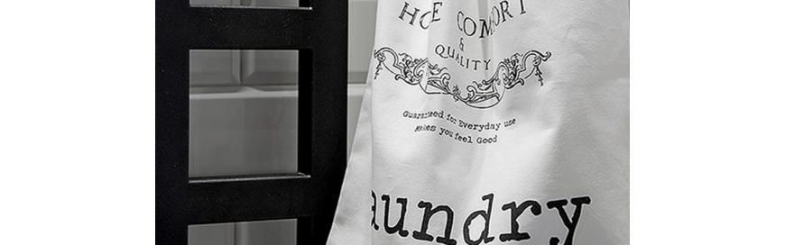 eleganckie tekstylia łazienkowe, ręczniki bawełniane, dywaniki